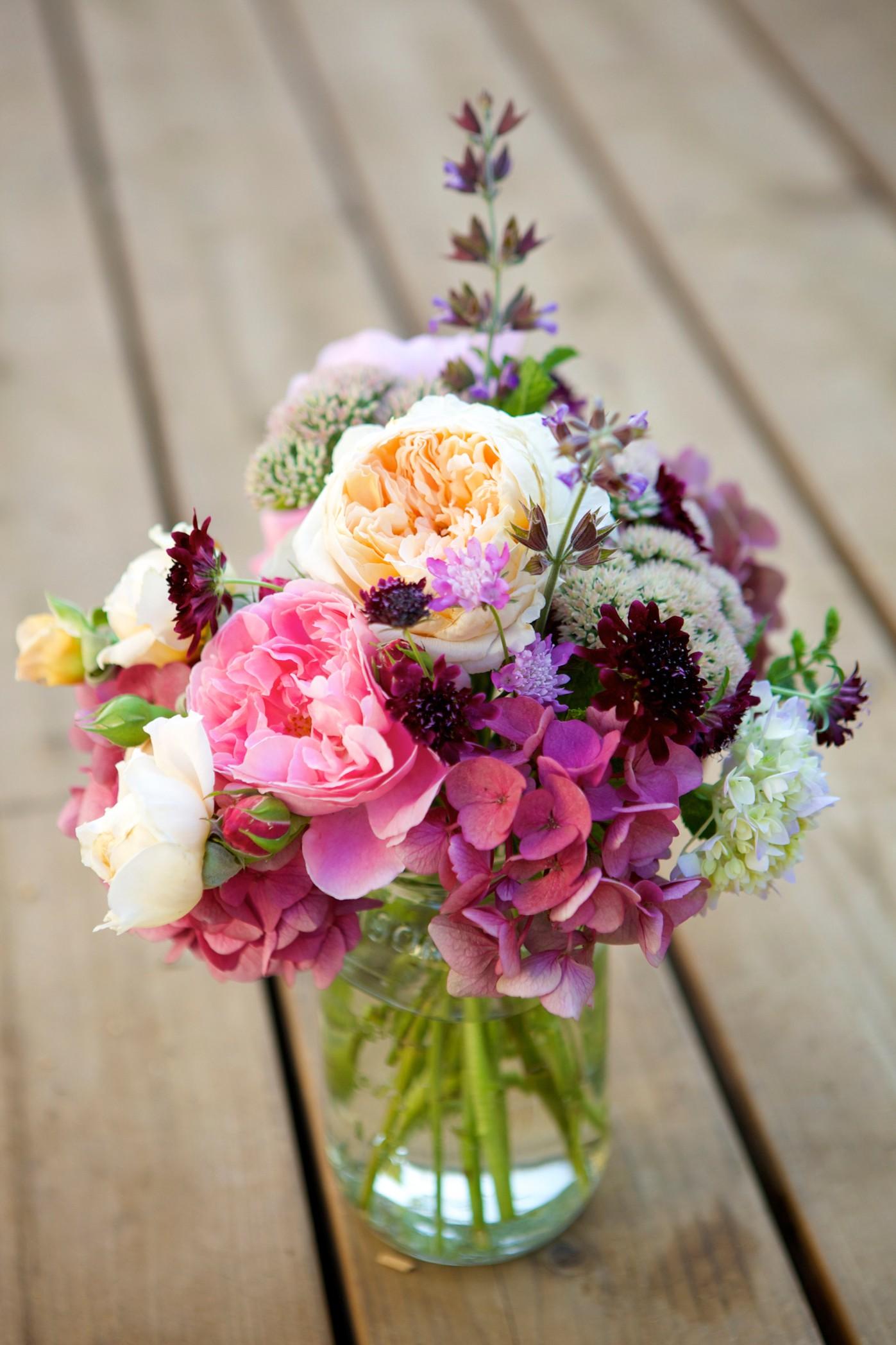 design your own floral arrangement online  35 Floral Arrangement Ideas - Creative DIY Flower Arrangements - design your own floral arrangement online
