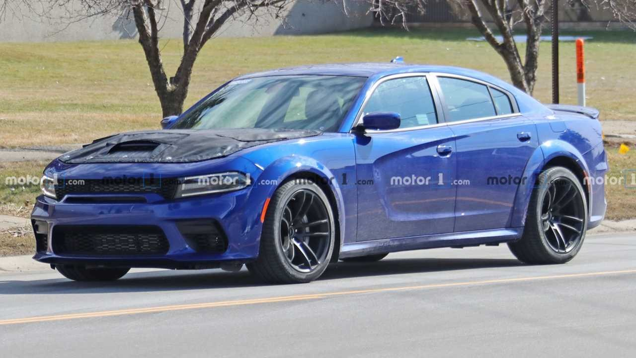 charger red eye  2020 Dodge Charger SRT Hellcat Redeye Spied With Covered Hood - charger red eye